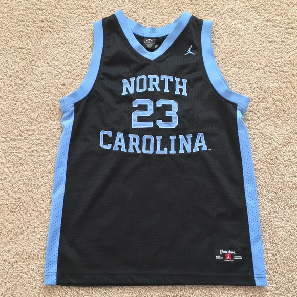 hot sale online a0647 317dd North Carolina Michael Jordan youth jersey L